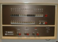 The control panel of a 1972 Télémécanique T1600 computer